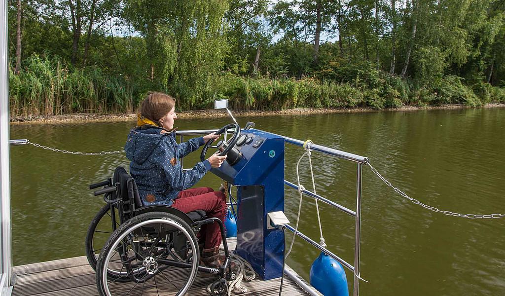 Barrierefreie Hausboot-Tour im Ruppiner Seenland