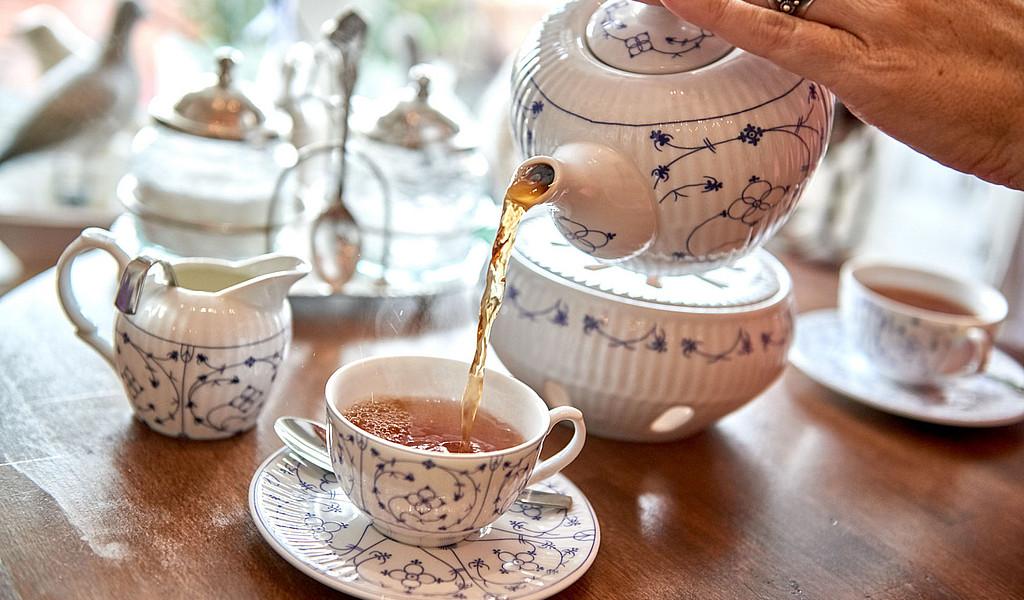 Eine ostfriesische Teezeremonie ist ein Erlebnis für Alle.