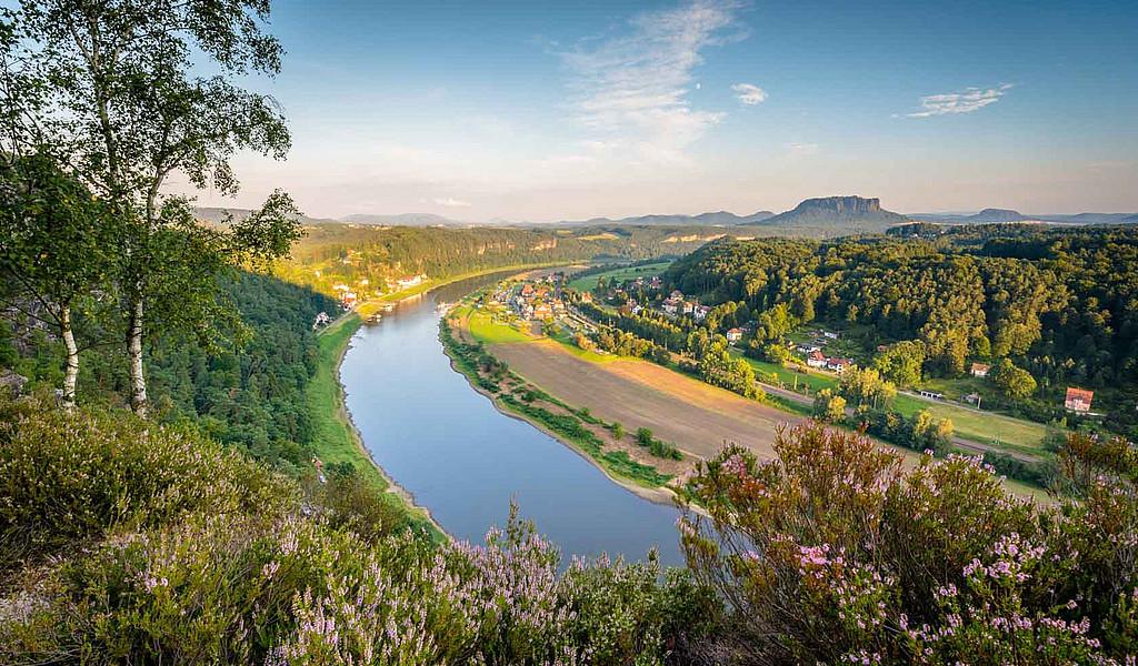 Blick von der Bastei auf die Elbe und den Lilienstein.