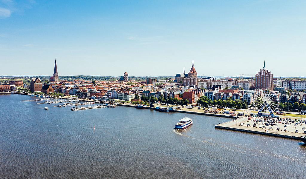 Barrierefrei zugänglicher Stadthafen von Rostock