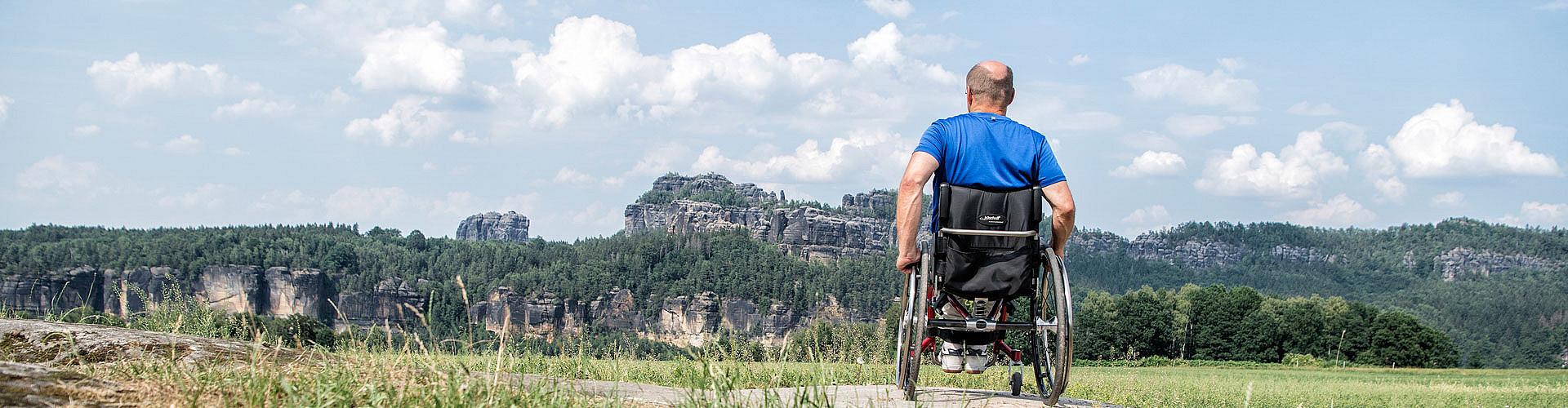 Auch in der Sächsischen Schweiz können Rollstuhlfahrer zu Wanderungen aufbrechen.