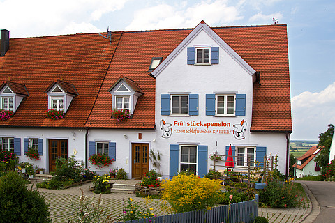 "view of the bed and breakfast ""Zum Schlafwandler Kapper"""